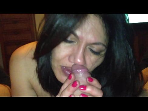 Hermosa mexicana da una linda mamada