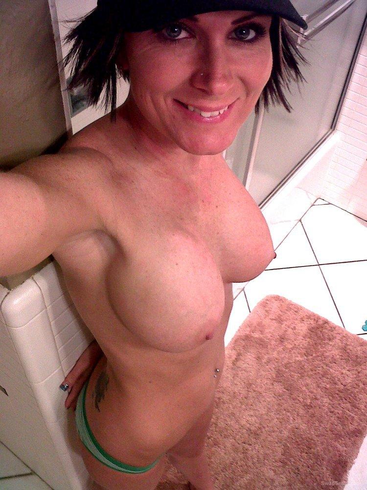 Showing porn images for hot milf amateur porn