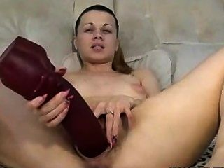 Spanish brunette amateur girl in porno casting