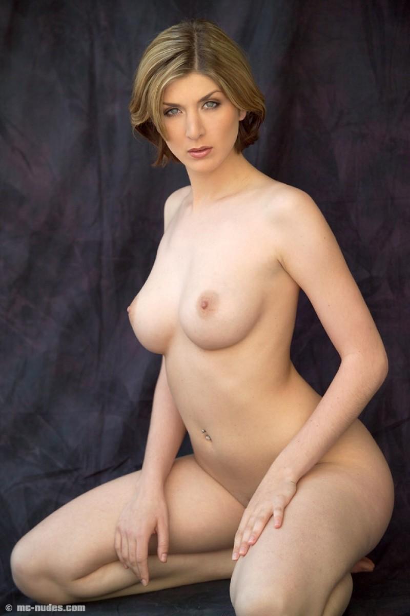 Xxx Photo babe big tits brunette hairy pussy vintage
