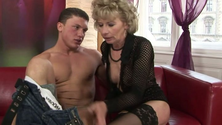 Mom woman and son fuck me hard free porn tube watch
