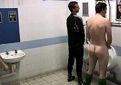 Amateur asian teen having sex in public toilette
