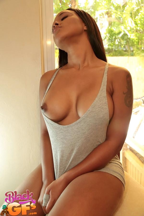 naked light skin black girl