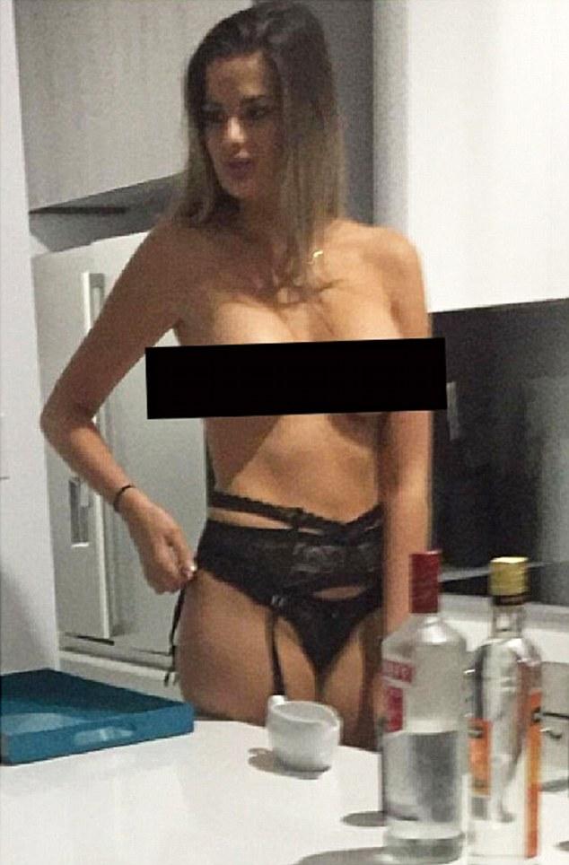 Gorgeous blonde kaye blonde beauty enjoys her body