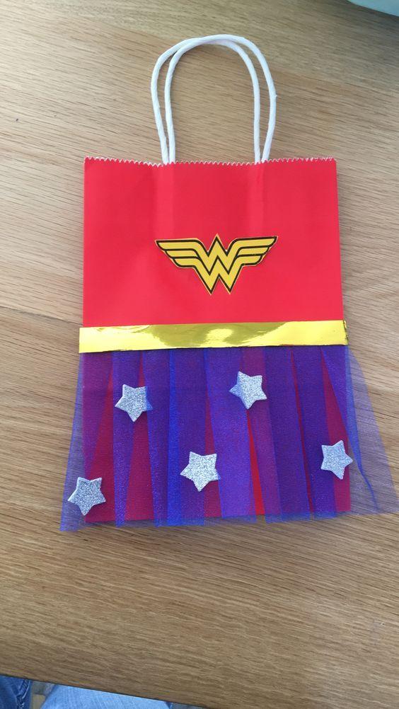 Resultados de superheroines bajo faldas superheroines
