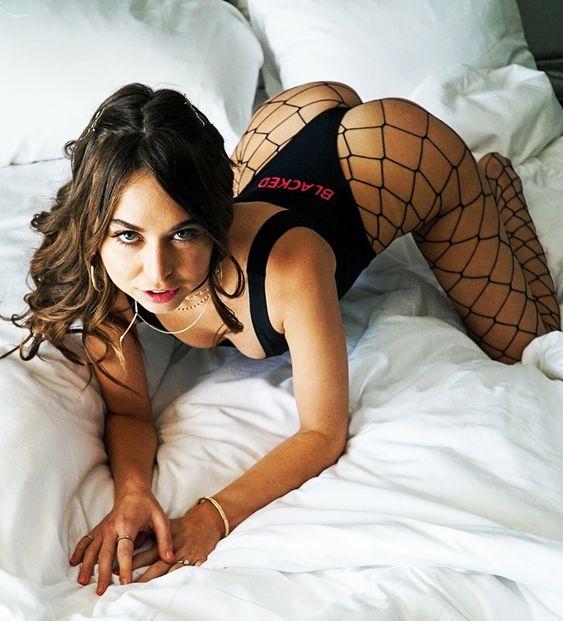 Gratis erotiskfilm svensk escort stockholm XXX