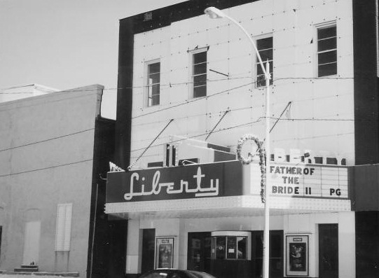 Vandalia il movie theatre