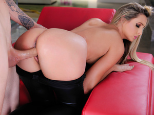 gorgeous blonde kaye blonde beauty enjoys her body